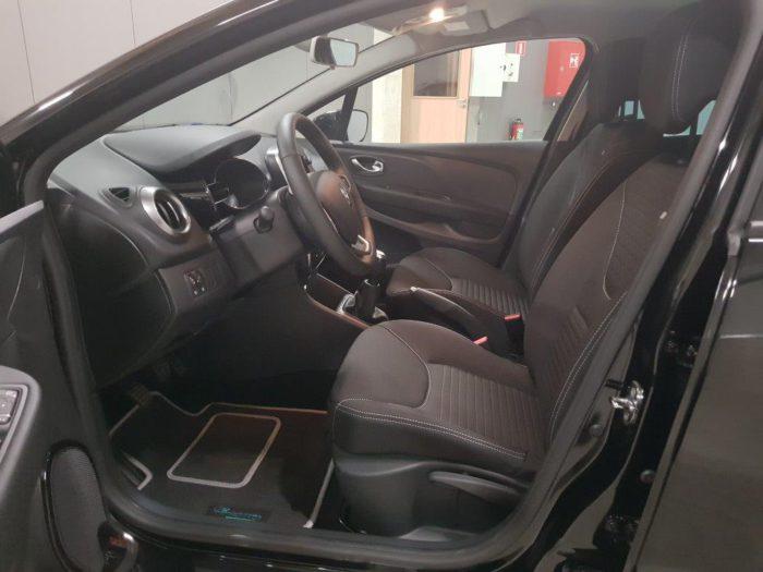 car actis renault clio limited 0 9 essence 90cv de remise. Black Bedroom Furniture Sets. Home Design Ideas